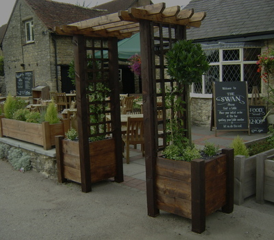 Public House, restaurant & Holiday Park landscaping